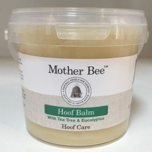 shiny hooves, dry hooves, cracked heels, antiseptic, equine, Mother Bee, mud rash, protect, soothe, sweet itch, hoof shine,